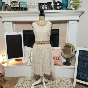 Altered state mid length lace dress size Large